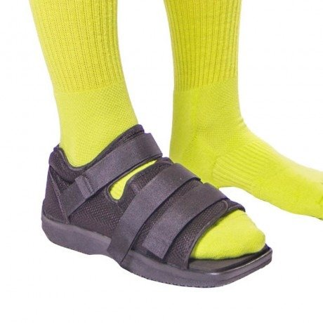 Best Shoes for stress fracture in the USA. Fractured foot. safe and secure fit fracture shoes
